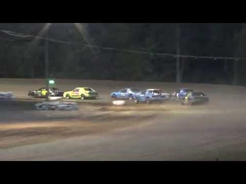 Four Cylinder Race #2 at Mount Pleasant Speedway 08-19-16.