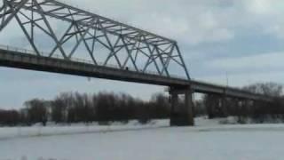 Подрыв льда на р.Десна г.Чернигов(подрыв льда на автомобильном мосте., 2010-03-19T15:42:44.000Z)