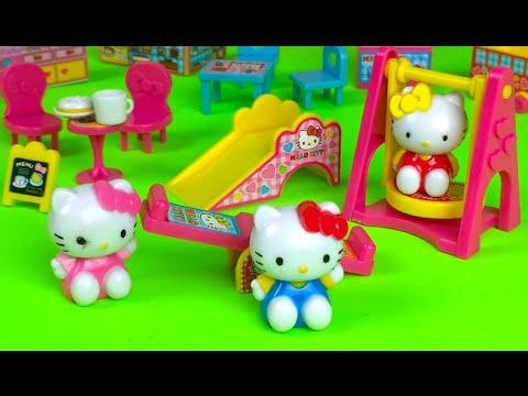 Hello Kitty Happy Family PlaySet キティ・ホワイト or Kiti Howaito with cafe preschool cash register piano