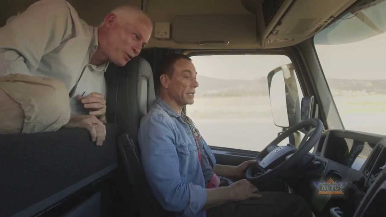 Jean-Claude Van Damme in Volvo Trucks' THE EPIC SPLIT - YouTube