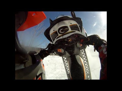 Snowmobile crash BLOOPERS, CRASHES, BROKEN PARTS