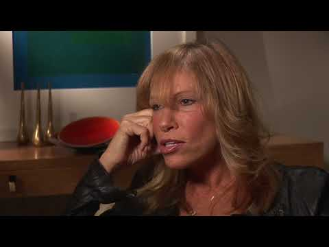 Bill Boggs Interviews Carly Simon