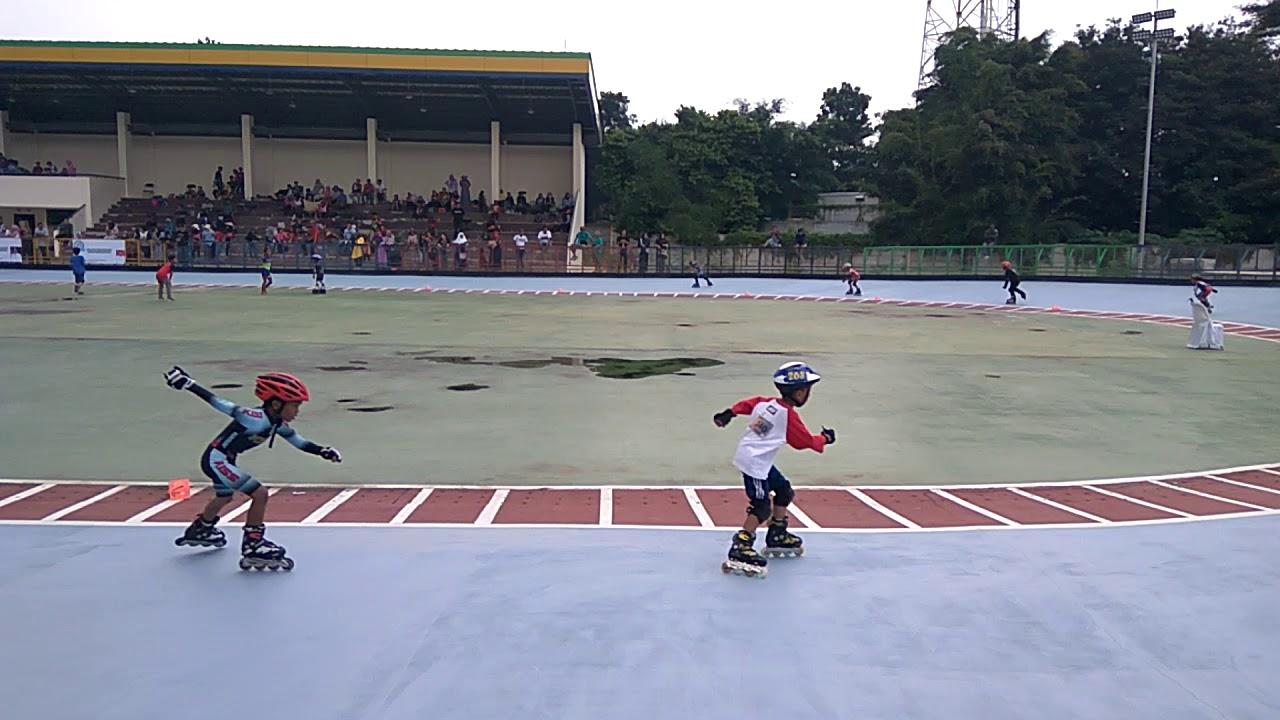 Arena Sepatu Roda Grand Wista Kabupaten Bekasi d7347be243
