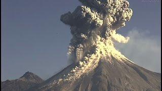 Volcán de Colima 21 de enero 2015. Enorme explosión a las 9:14am. Columna de cenizas de 4kms