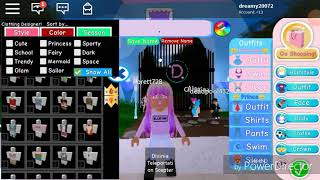 Turning into Elsa in /Roblox Royal high