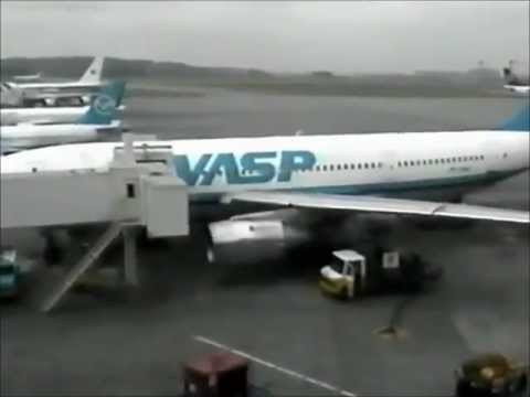 boeing casenote For skase' s air transportation to australia in a chartered aircraft of the boeing  737 type, flying at  these arguments are examined elsewhere in this case note.