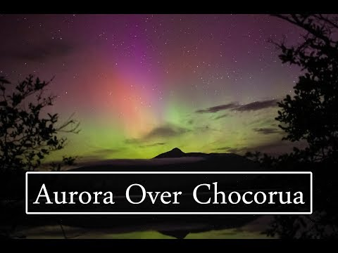 Aurora Over Chocorua - Northern Lights - 4K