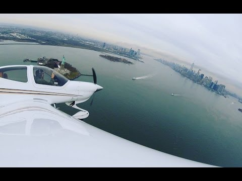 NY Skyline tour with little brother (ATC Audio) in a DA-40. Up the Hudson River over Central Park