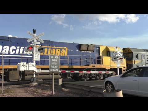 Level Crossing, Griffith (Crossing St) NSW, Australia.