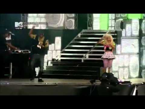Nicki Minaj - PERFORMING TO REGGAE SONGS _ BEENIE MAN, VYBZ KARTEL, GYPTAN & TONY MATERONE DUTY WINE