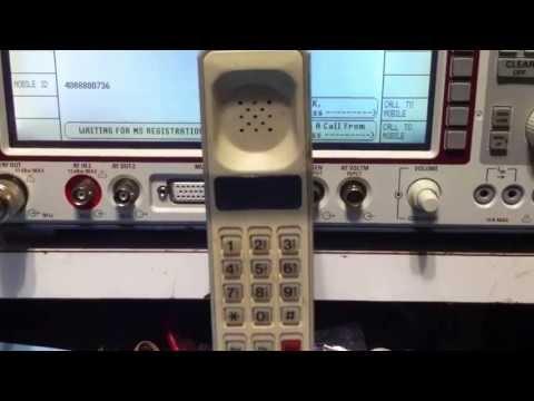 Motorola Dynatac 8000 demo with Tektronix CMD 80