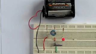 Easy breadboard circuit - electronics for beginners