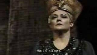 Fiorenza Cossotto in Aida ; Judgement scene