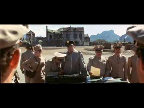 Уловка-22, 1970. Капитан, вы не в униформе!