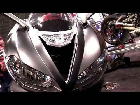 Triumph Daytona  R Special Series Lookaround Le Moto Around The World