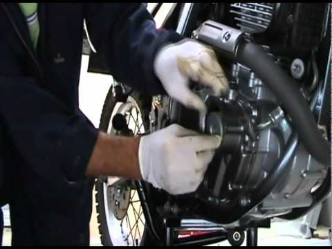 Suzuki DR650 Oil Change and Engine Treatment