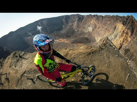 Mountain Biker Stevie Smith Charges Down a Volcano   Ring of Fire