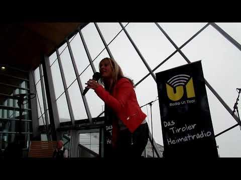 Regina Music Sängerin U1 Frühschoppen Hoadlhaus Axams Am 28.7.2019