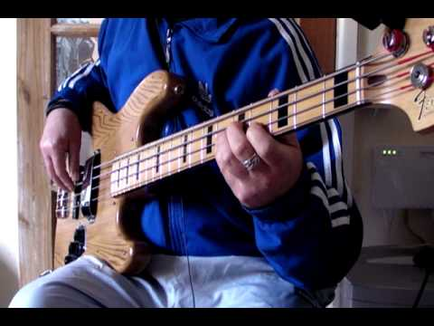 CREATING TRADITIONAL ROCK N ROLL BASSLINES and BLUES/RnB LINES ON ELECTRIC BASS