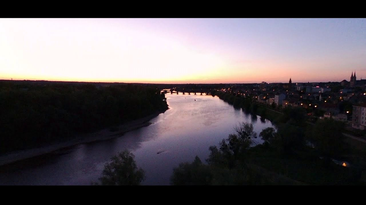 Day to Night - Moulins - PARROT BEBOP2 Edit фотки