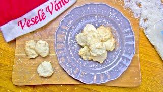 Kokosky z bílkového sněhu s citronovou šťávou