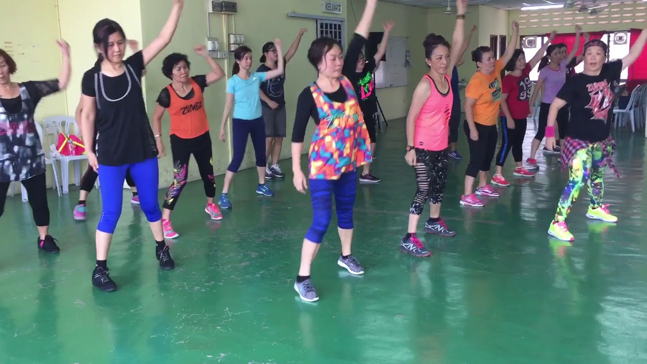 Baby Shark Remix Dance-Zumba with Penny Tan - YouTube