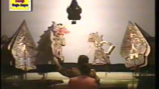 Video WAYANG KULIT KI JOKO EDAN - INDOSIAR 2001 (01) download MP3, 3GP, MP4, WEBM, AVI, FLV April 2018