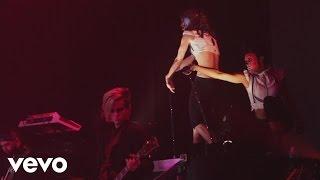 Скачать Adam Lambert Strut Glam Nation Live