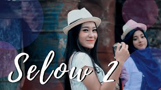 Gambar cover Vita Alvia - Selow 2 ( Official Music Video ANEKA SAFARI )