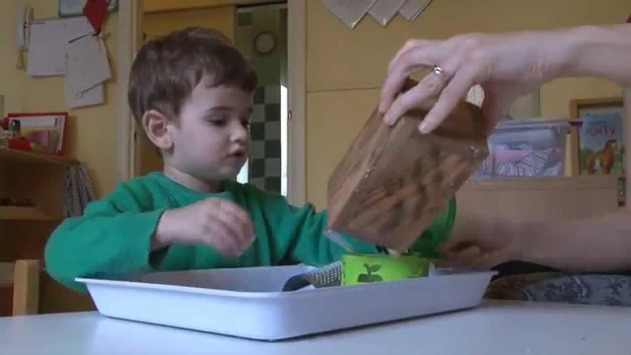 Attivit montessoriane 0 3 anni youtube - Bambini in piscina a 3 anni ...