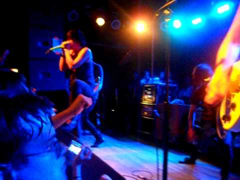 Sleeping With Sirens - Captain Tying Knots LIVE (Bottom Lounge 4-9-11)