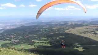 Daan's eerste vlucht vanaf Puy de Dôme met Jean-Luc, Auvergne 2009