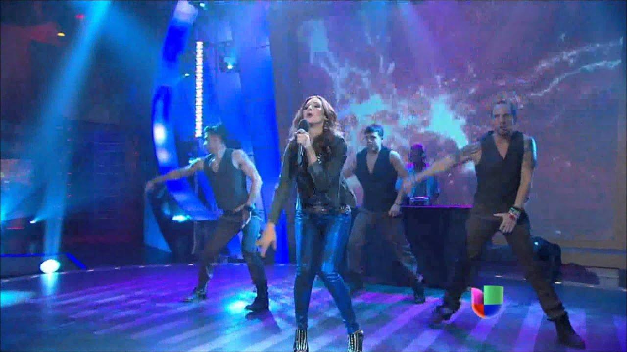 Download América Sierra - Porque El Amor Manda ft. 3BallMTY  en Sabado Gigante HD
