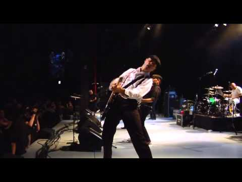 Flogging Molly - Man With No Country (Live at the Greek Theatre)