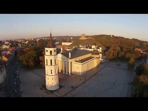 Vilnius dažosi rudais rudens atspalviais