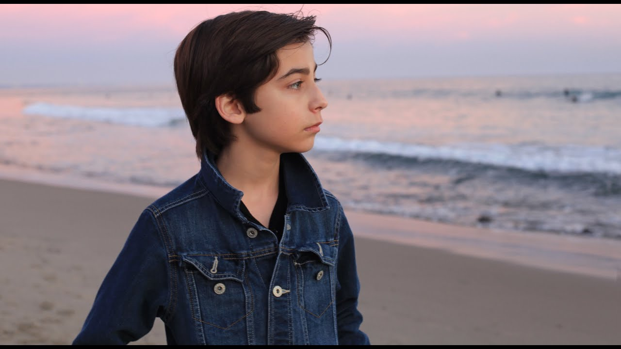 aidan gallagher 2015