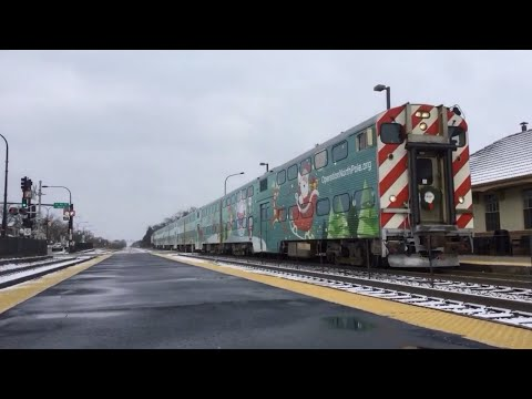 Christmas Special (Metra ONP at Mount Prospect, IL 12/9/17)