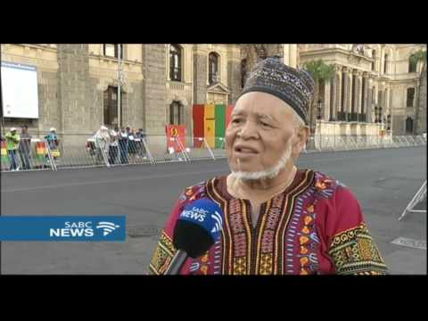 Nagtroepe Malay choirs take over Cape Town streets