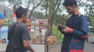 Turning Leaf Into Money Magic Impossible Prank - abracadaBRO Best Street Magic Tricks Indonesia