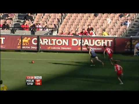 James Frawley's chase on Lewis Jetta Round 17, 2010 vs Sydney