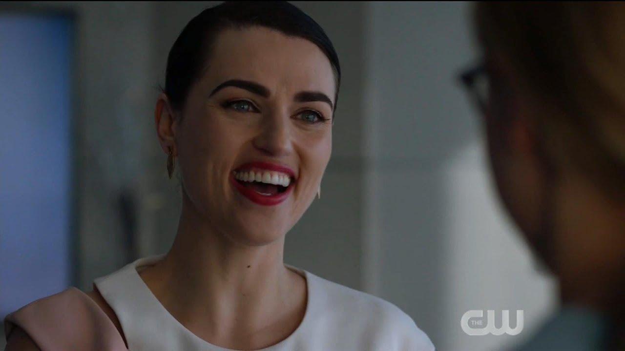 Download Supergirl 5x13 Lena trusts Supergirl (Alternate Timeline)