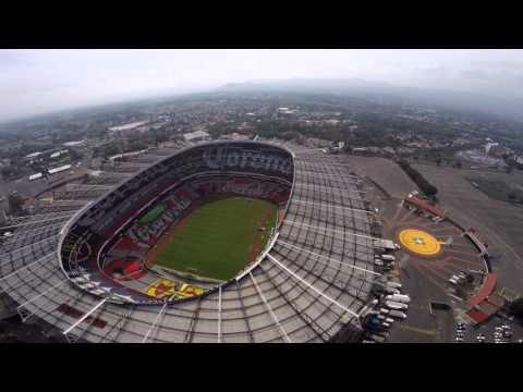 Estadio azteca desde el aire youtube for Puerta 1 estadio azteca