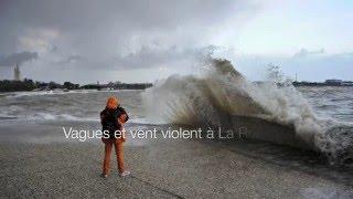 Vagues et vent violent à La Rochelle le 11 janvier 2016.
