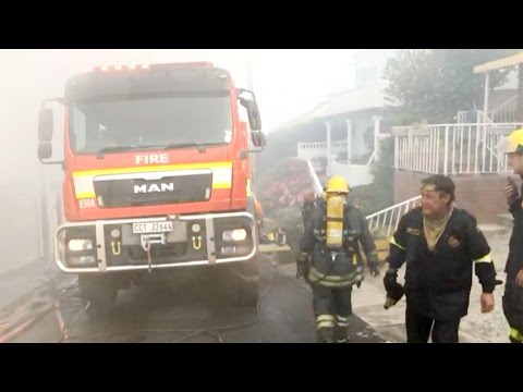 Simon's Town house on fire as peninsula wildfire closes in