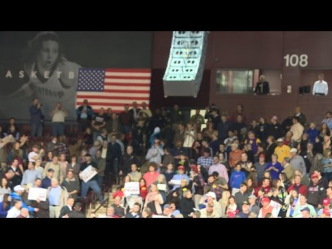 Protesters ejected from Donald Trump rally - YouTube