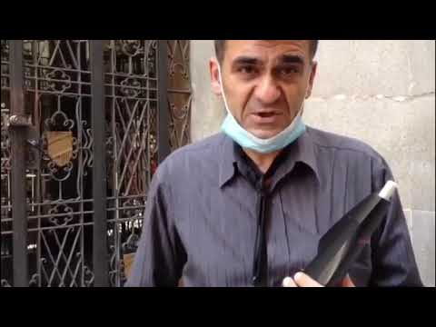La historia de Andrei, el músico callejero al que le prohíben tocar en la calle
