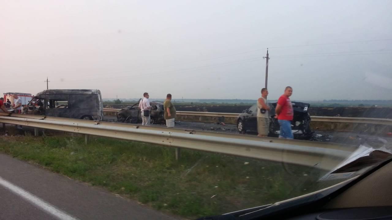 В аварии пострадали люди, есть погибшие (ДТП 18.04.2010)