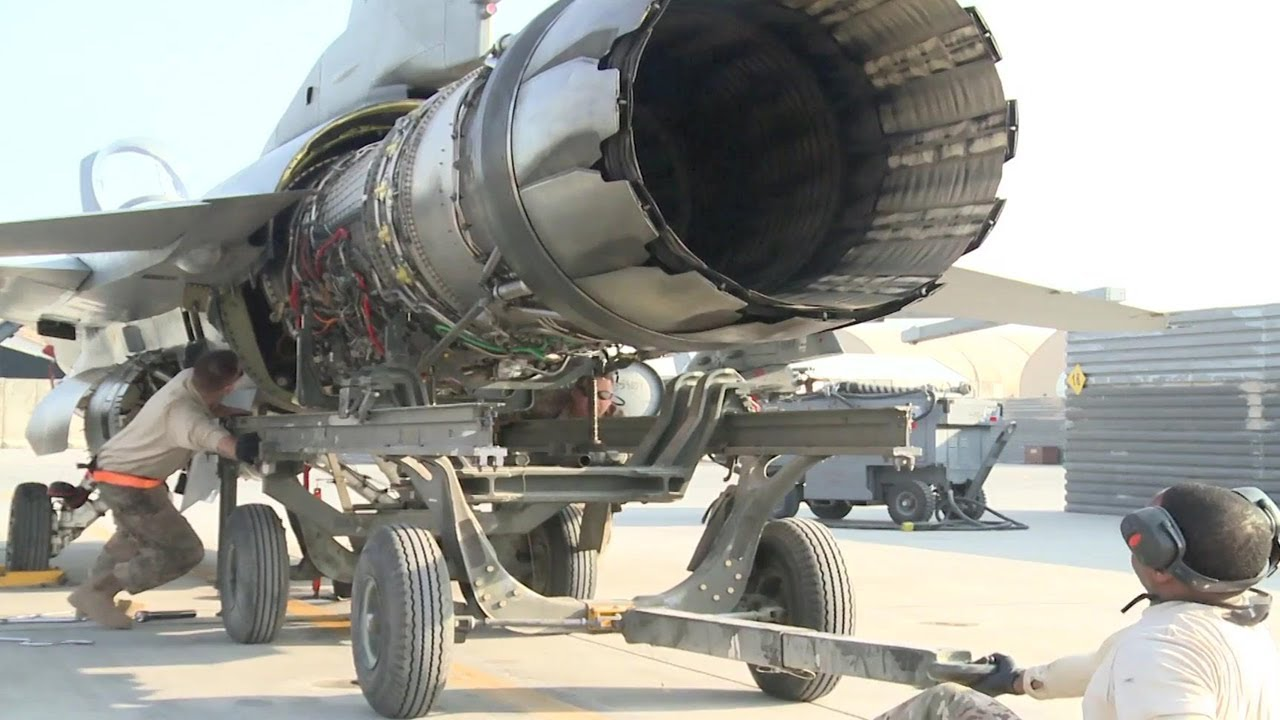 Hd Video Of F-16 Fighter Jet Engine Removal