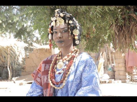 Coumba Gawlo - Diery Dior Ndella (Clip Officiel)