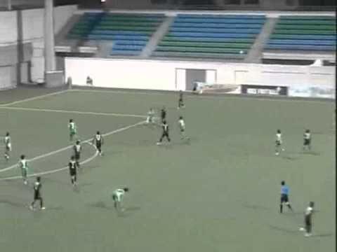 Bạo lực kinh hoàng tại giải bóng đá Singapore   Bóng đá   Kênh14   Channel for Teens